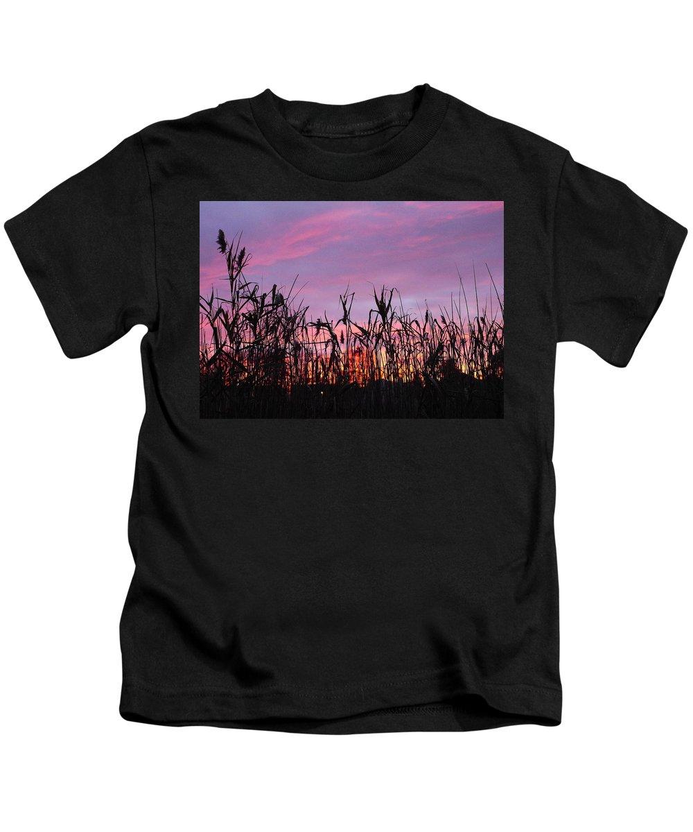 Sunset Kids T-Shirt featuring the photograph Cornfield Sunset by Jack Riordan