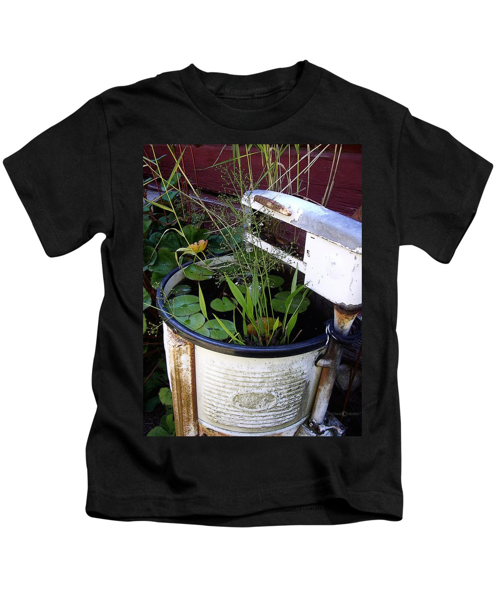 Wringer Kids T-Shirt featuring the photograph Dead Wringer by Tim Nyberg
