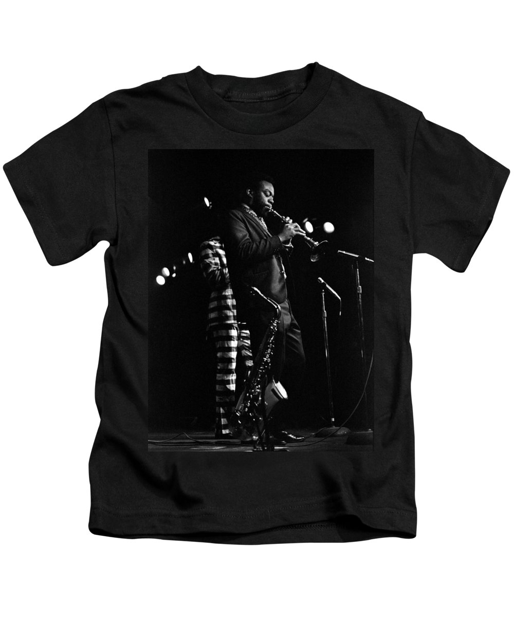 Dewey Redman Kids T-Shirt featuring the photograph Dewey Redman by Lee Santa