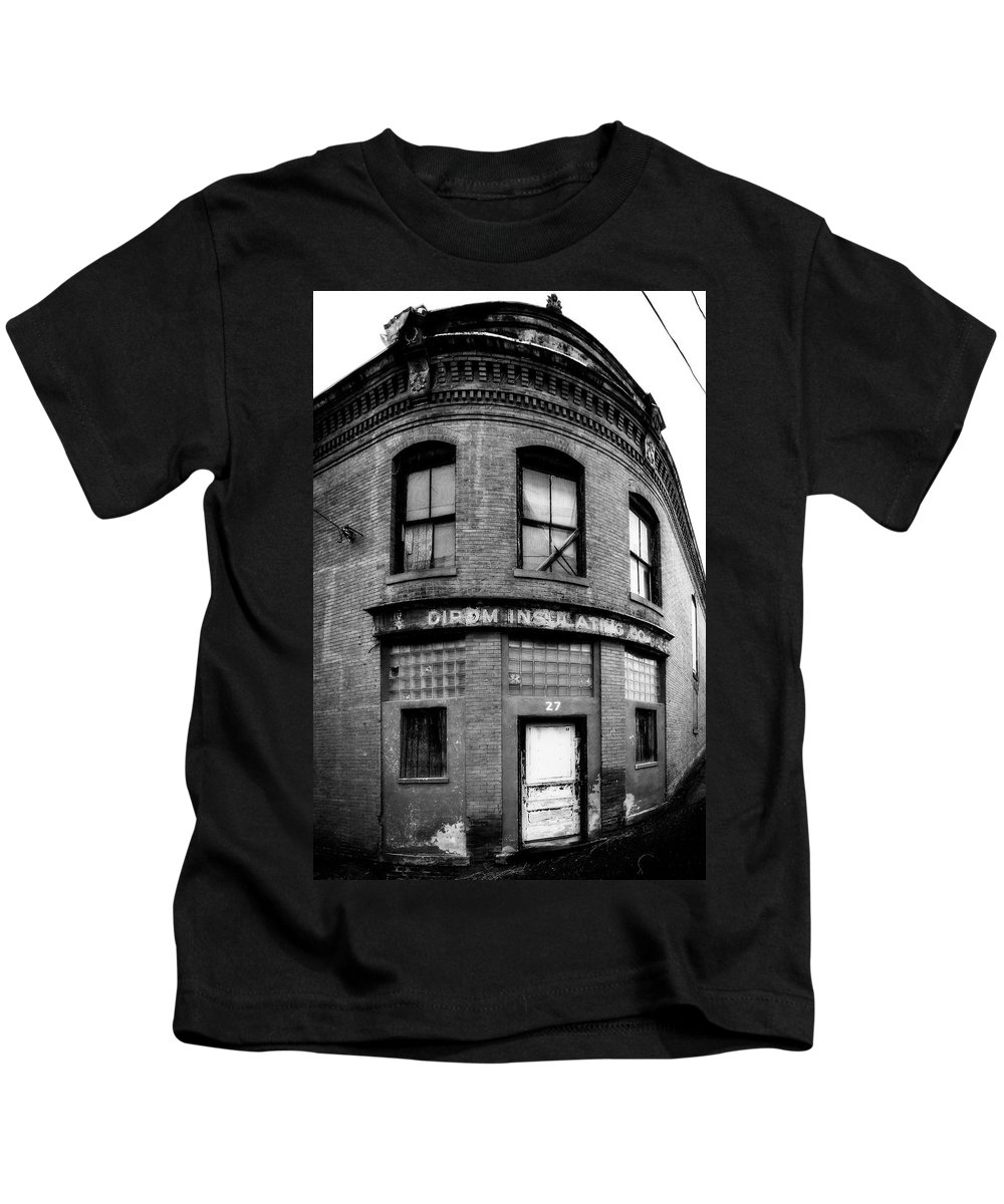Abandoned Kids T-Shirt featuring the photograph Dirom Insulating Lynchburg by Alan Raasch