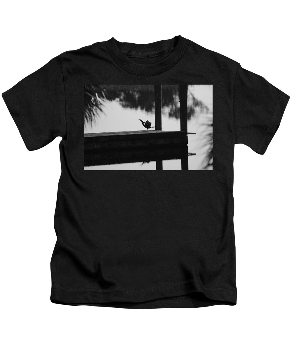 Dock Kids T-Shirt featuring the photograph Dock Bird by Rob Hans
