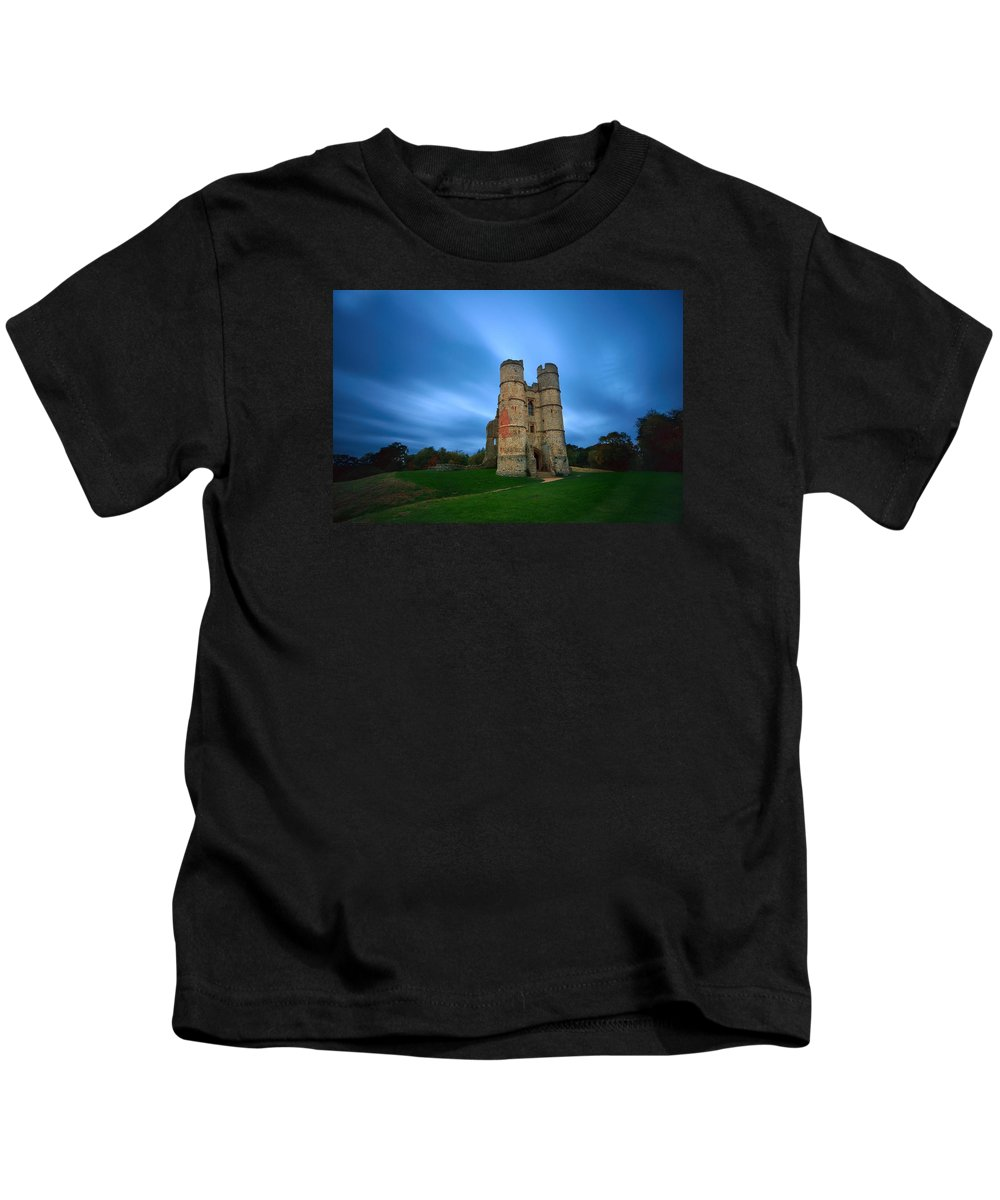 Big Stopper Kids T-Shirt featuring the photograph Donnington Castle At Dusk by Giovanni Giuliano