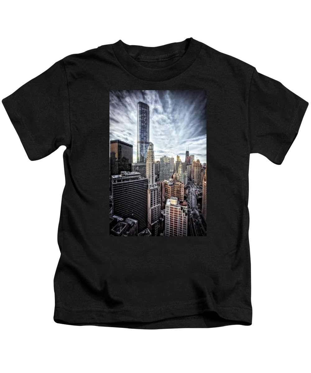 Jennifer Rondinelli Reilly Kids T-Shirt featuring the photograph Downtown Chicago Cityscape 1 by Jennifer Rondinelli Reilly - Fine Art Photography