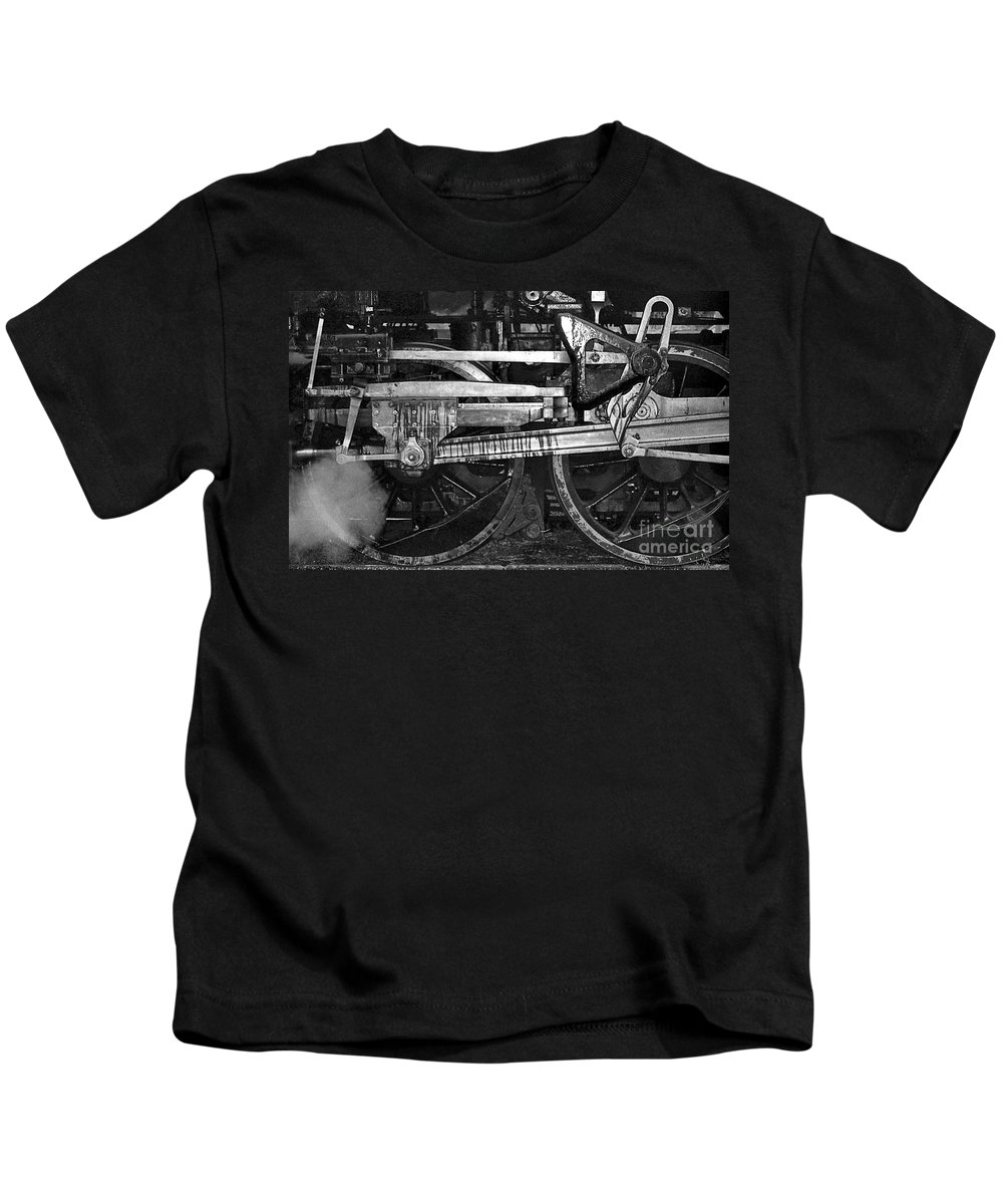 Trains Kids T-Shirt featuring the photograph Driving Wheels by Richard Rizzo