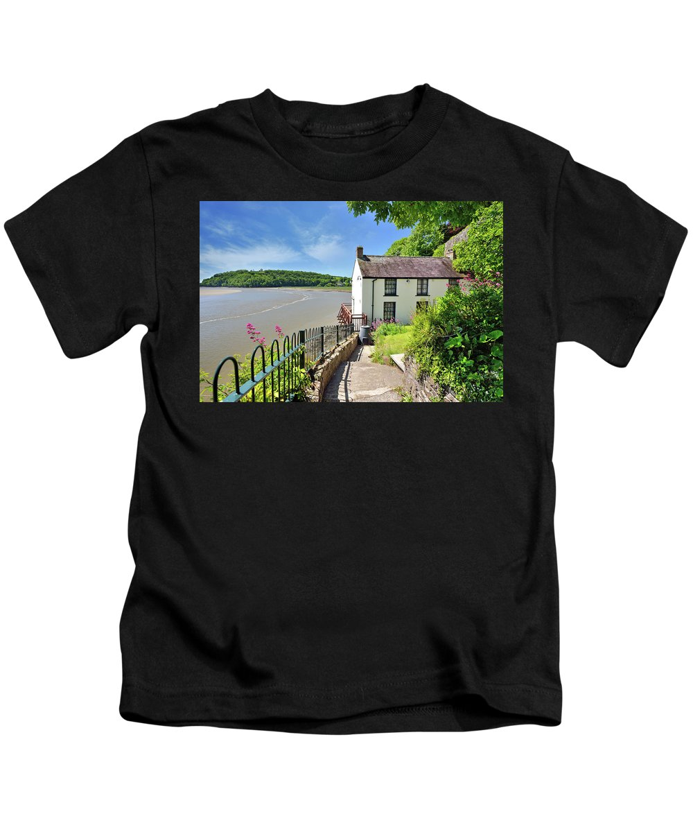 Dylan Thomas Kids T-Shirt featuring the photograph Dylan Thomas Boathouse 4 by Phil Fitzsimmons