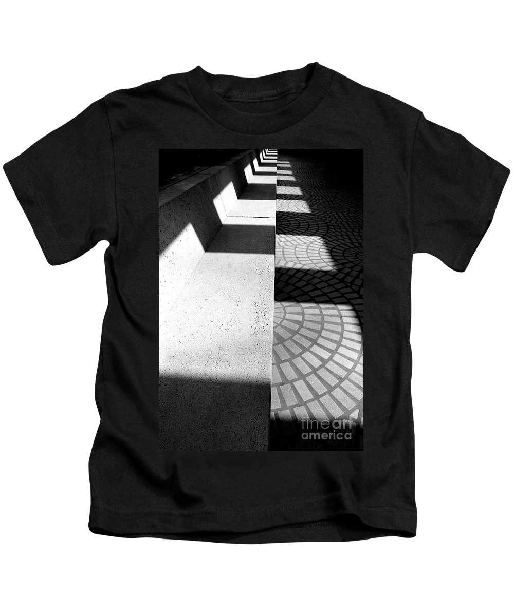 Cityscapes Kids T-Shirt featuring the photograph Embarcadero Bench by Norman Andrus