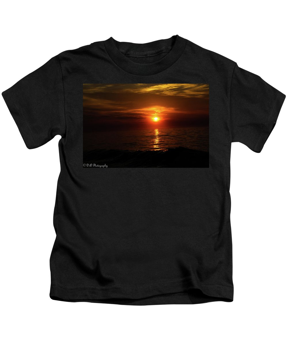 Charleston Kids T-Shirt featuring the photograph End Of Day by DA Photography