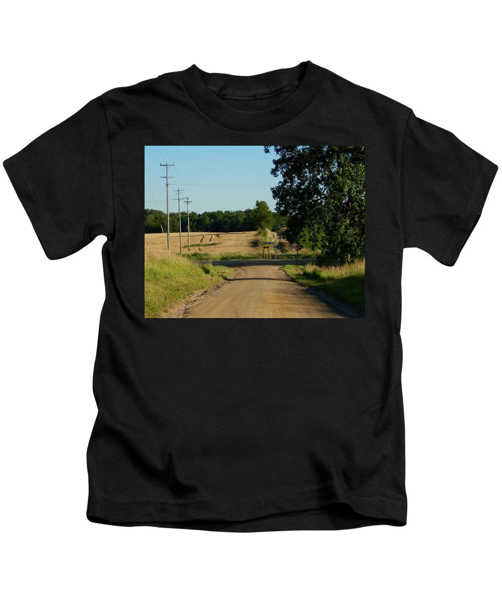 Southeastern Kids T-Shirt featuring the photograph End Of The Road by Susan Wyman