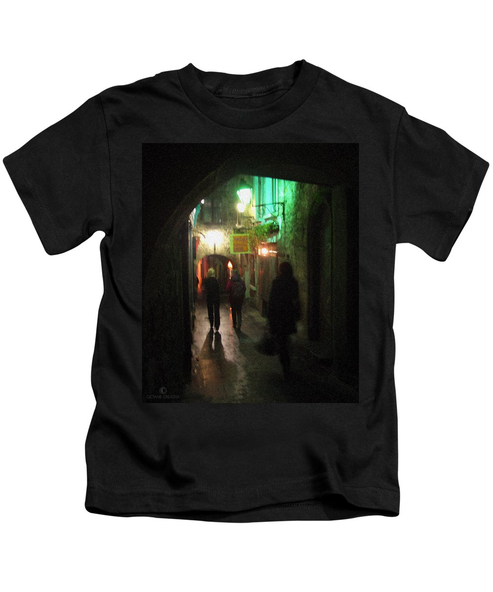 Ireland Kids T-Shirt featuring the photograph Evening Shoppers by Tim Nyberg