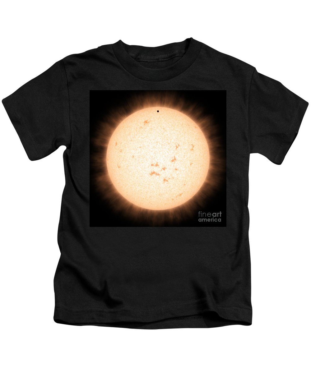Science Kids T-Shirt featuring the photograph Exoplanet Hd 219134b In Front Of Star by Science Source