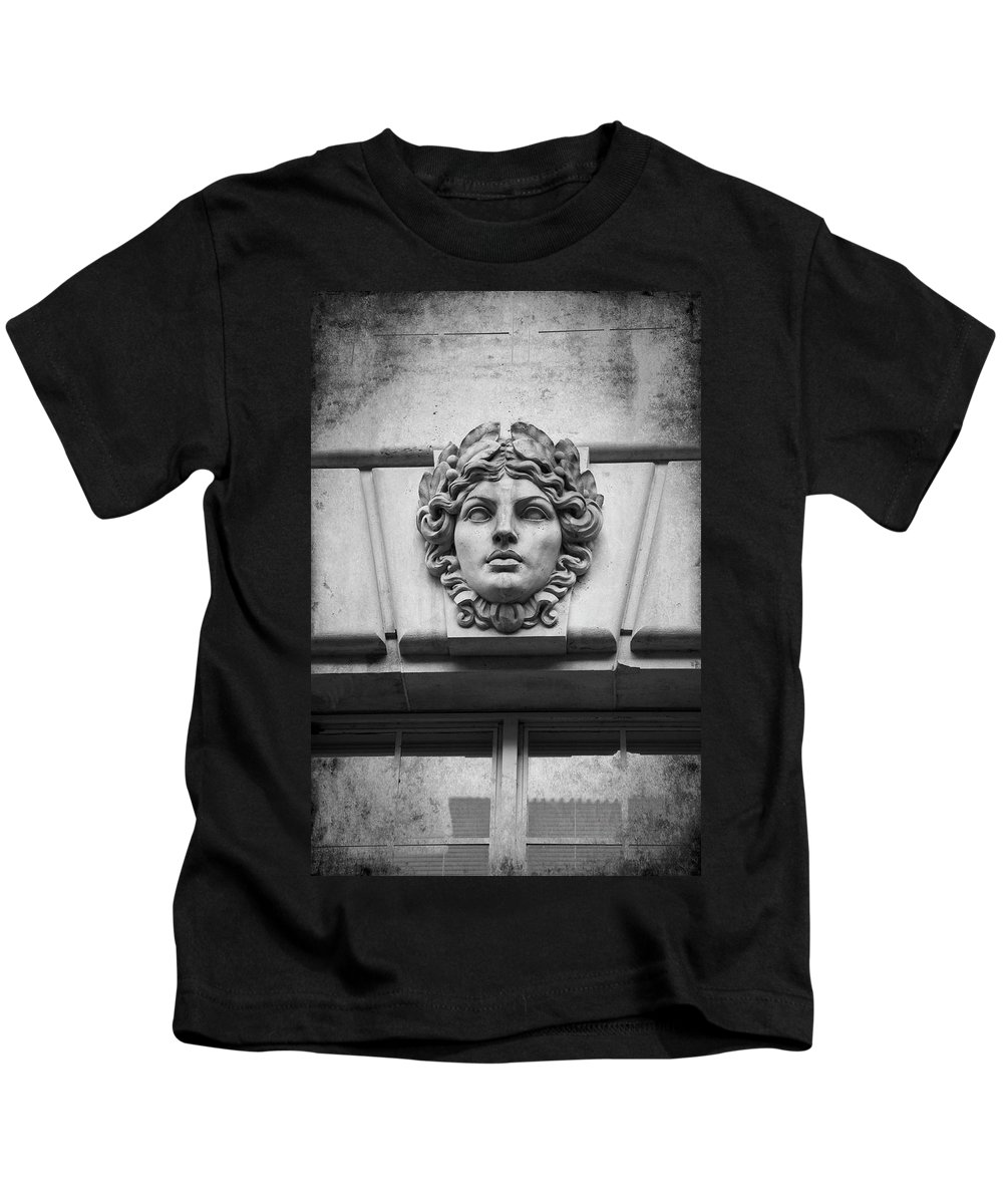 Building Kids T-Shirt featuring the photograph Face In Stone by Amy Jackson