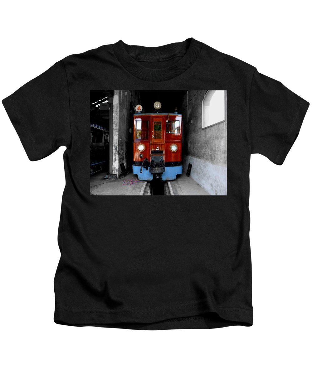 Train Kids T-Shirt featuring the photograph Ferrocarrril De Soller by Charles Stuart