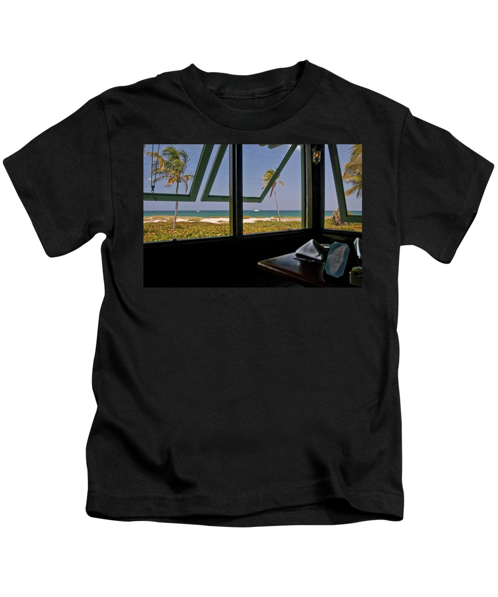 Florida Kids T-Shirt featuring the photograph Florida Lunch by Steven Sparks