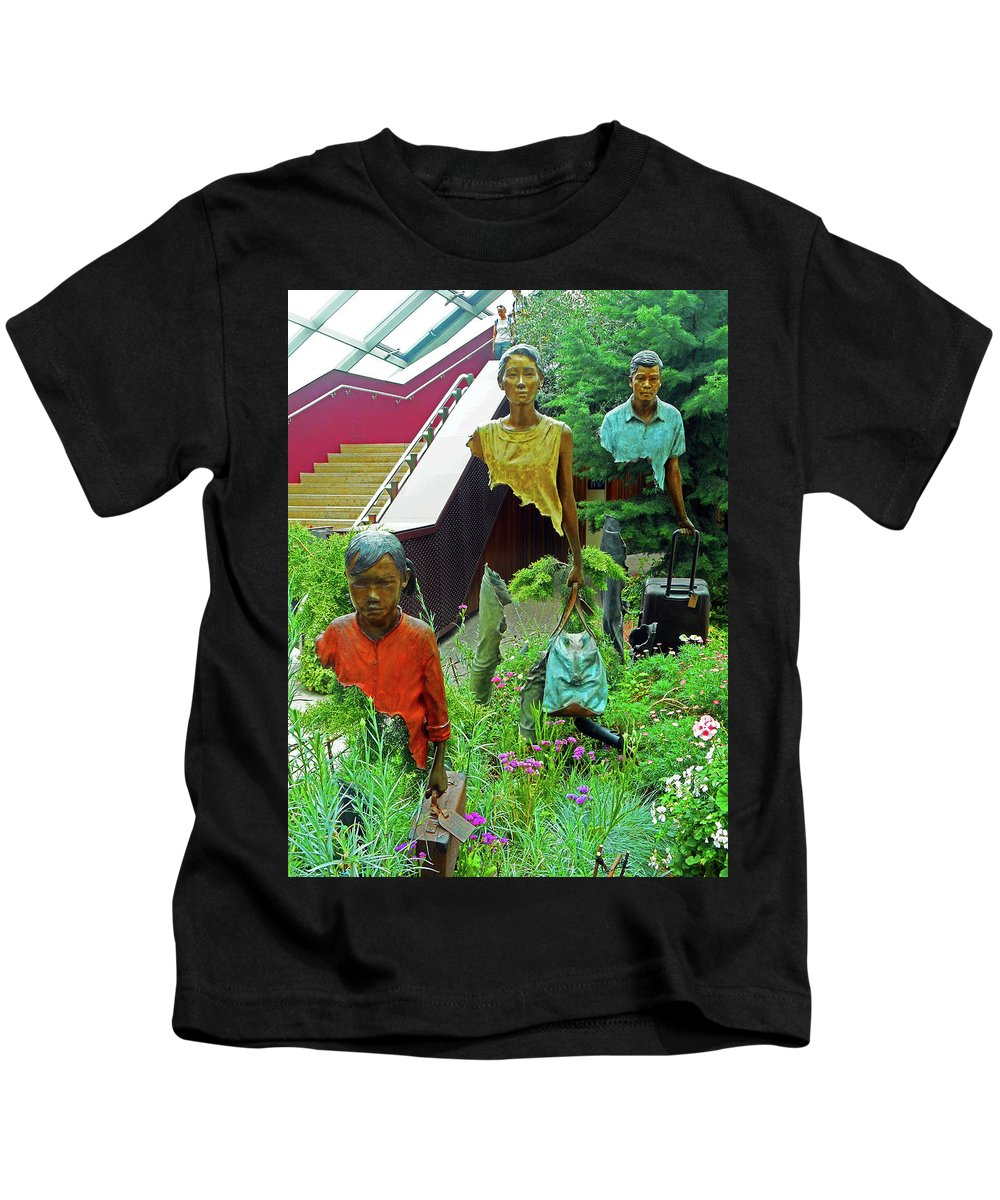 The Dooms Kids T-Shirt featuring the photograph Flower Dome 34 by Ron Kandt