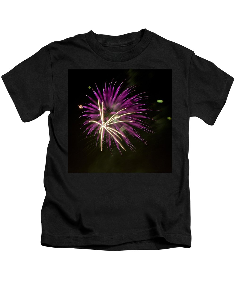 Fireworks Kids T-Shirt featuring the photograph Flowerworks #15 by Sandy Swanson