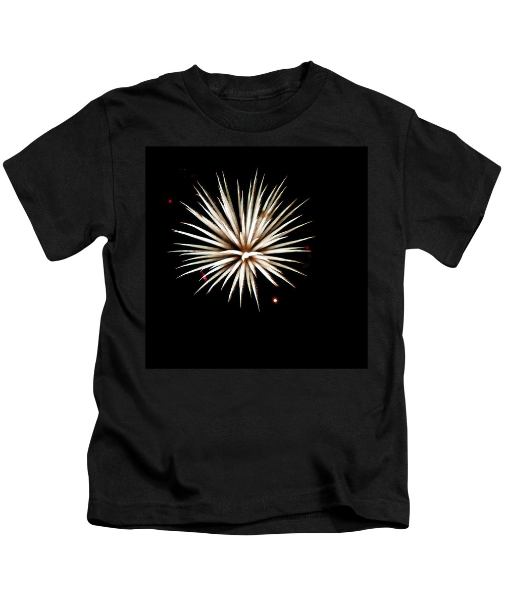 Fireworks Kids T-Shirt featuring the photograph Flowerworks #16 by Sandy Swanson