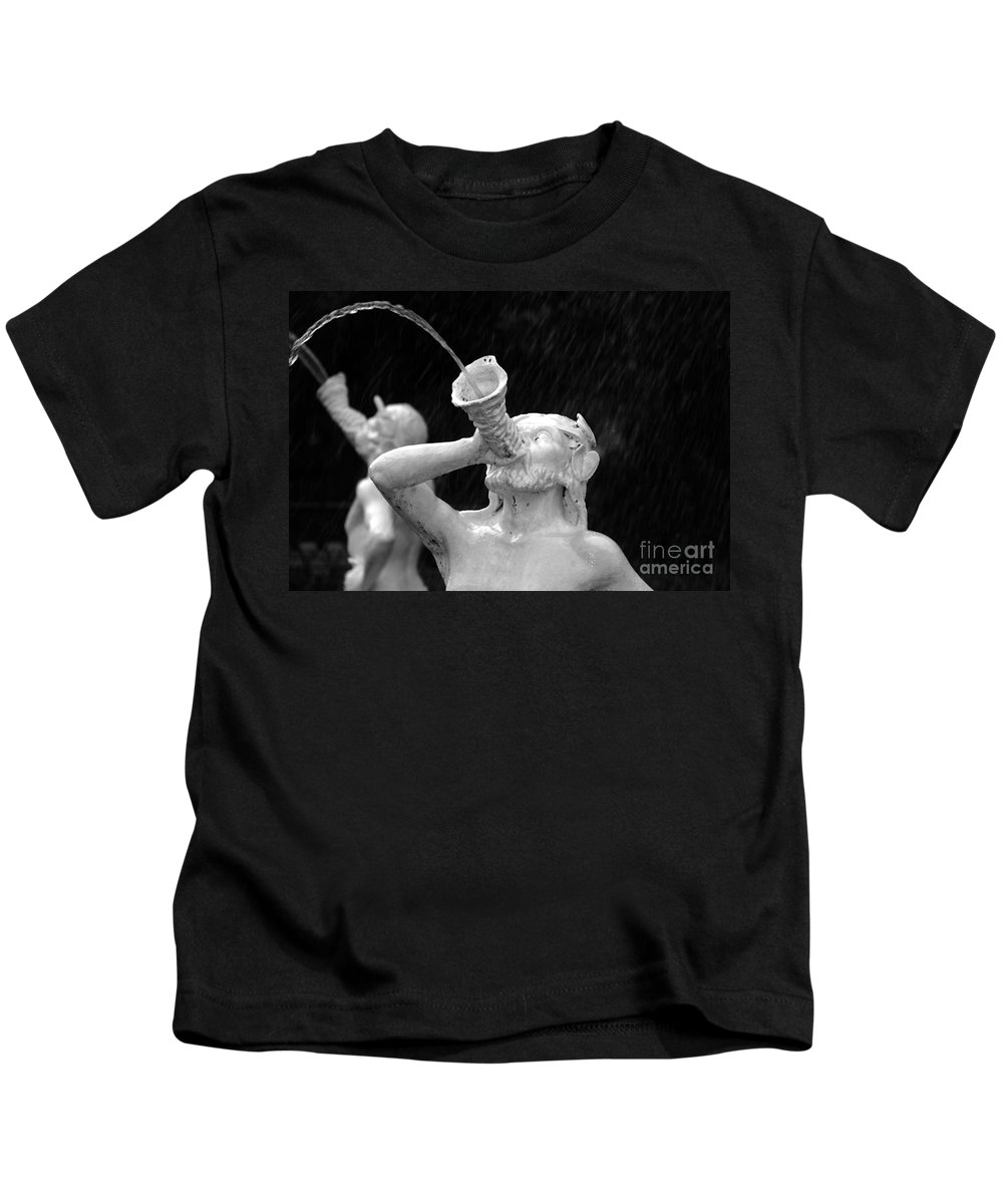 Fountain Kids T-Shirt featuring the photograph Fountain Dreams by David Lee Thompson