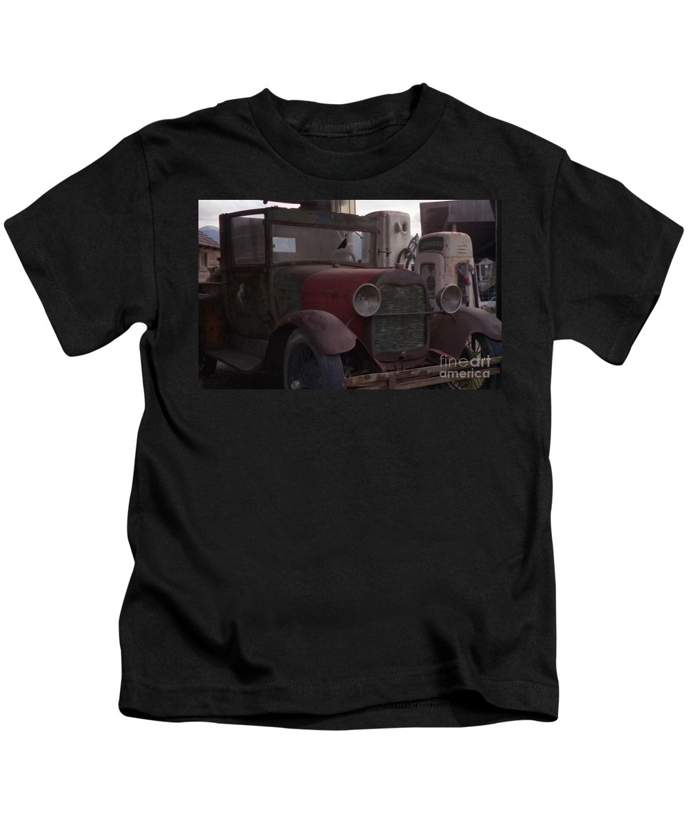 Gas Station Kids T-Shirt featuring the photograph Full Service by Richard Rizzo