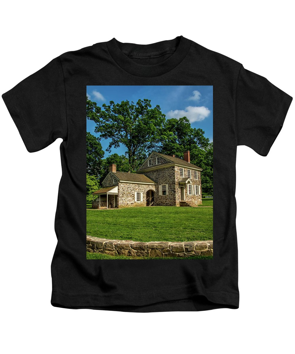 Headquarters Kids T-Shirt featuring the photograph George Washington's Headquarters Portrait by Howard Roberts