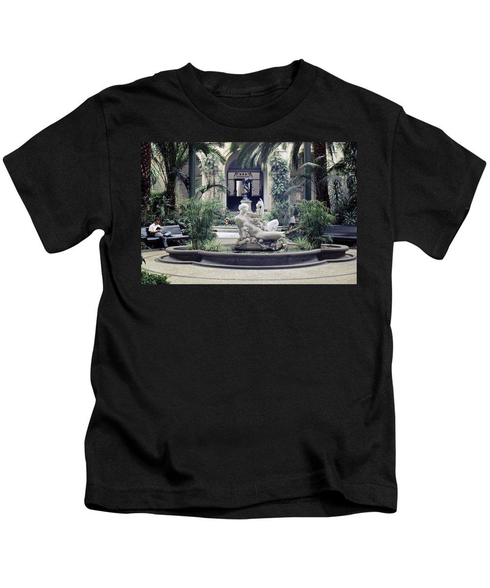 Copenhagen Kids T-Shirt featuring the photograph Glyptotek Museum Kobenhavn by Lee Santa
