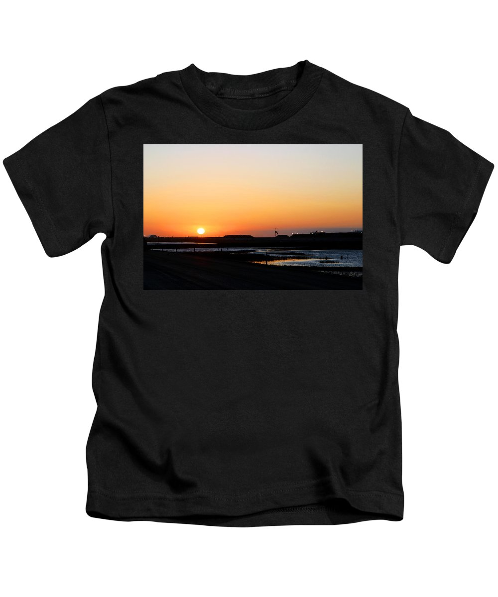 Landscape Kids T-Shirt featuring the photograph Greater Prudhoe Bay Sunrise by Anthony Jones