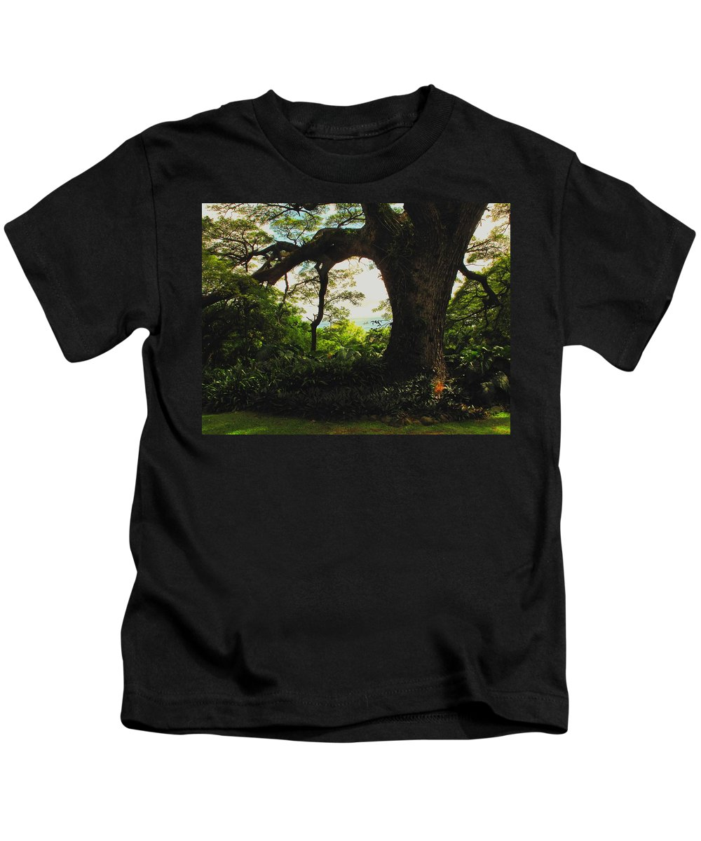 Tropical Kids T-Shirt featuring the photograph Green Giant by Ian MacDonald