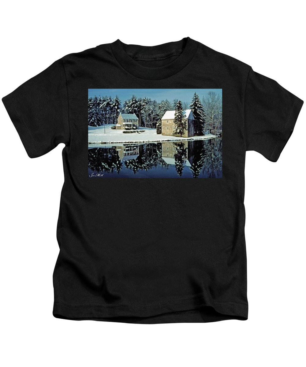 Grings Mill Recreation Area Kids T-Shirt featuring the photograph Grings Mill Snow 001 by Scott McAllister