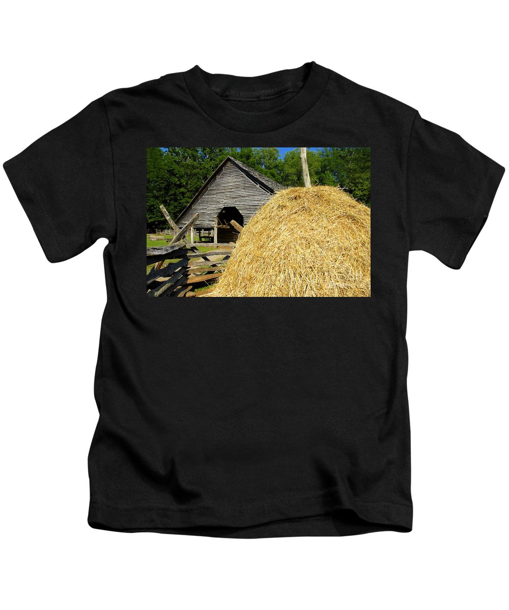 Harvest Kids T-Shirt featuring the photograph Harvest by David Lee Thompson