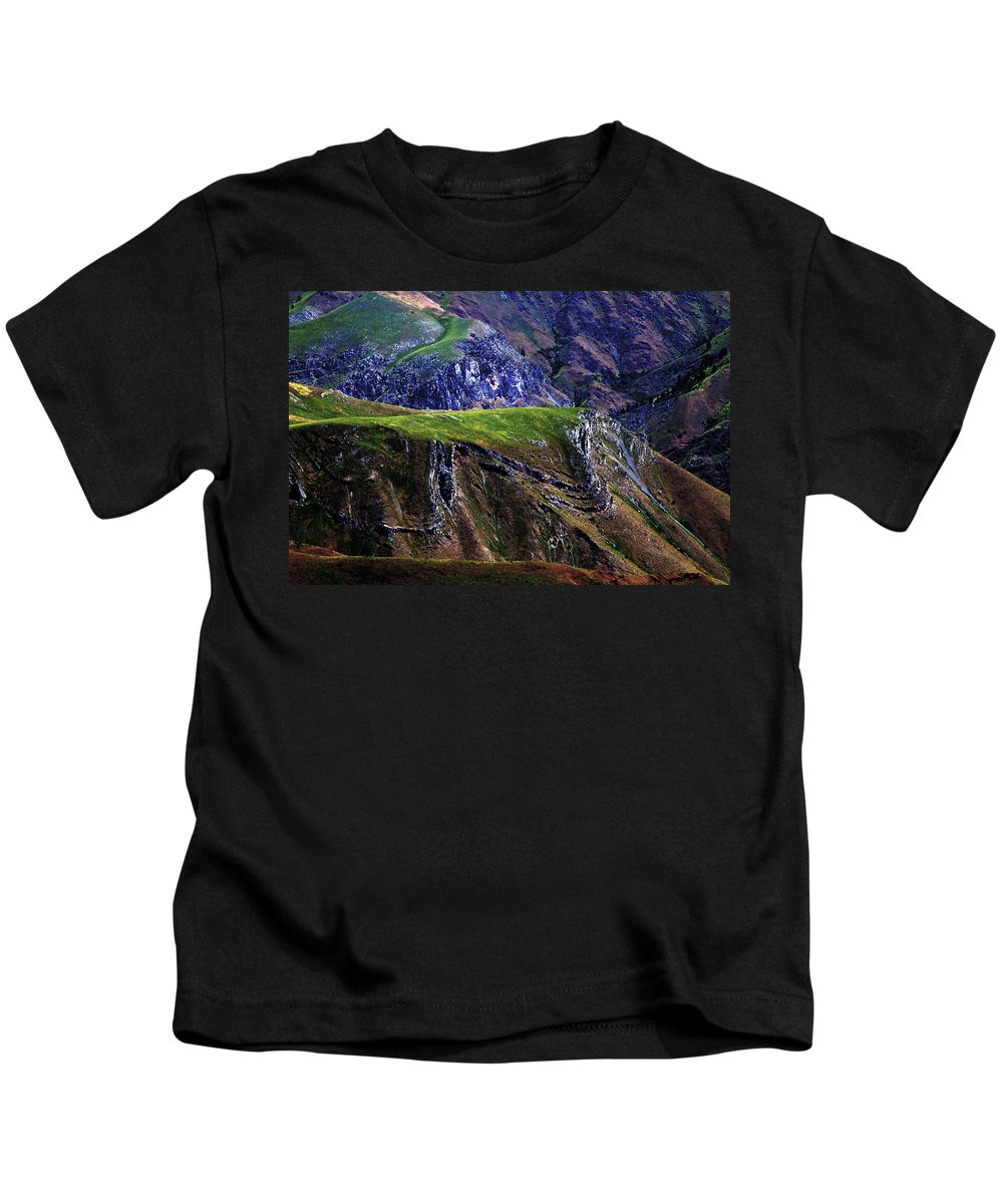 Nature Kids T-Shirt featuring the photograph Hells Canyon by Joseph Noonan