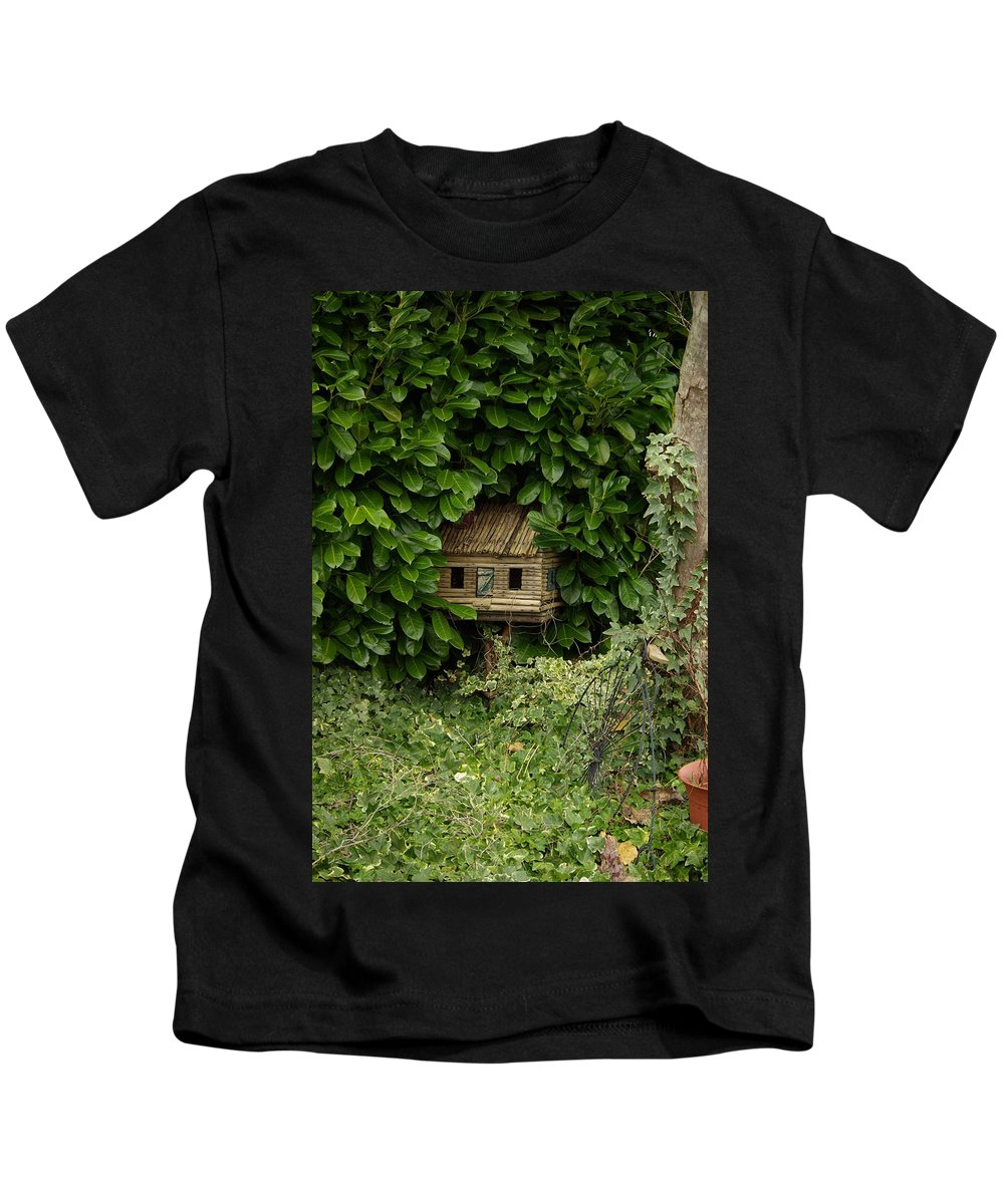 Hide Kids T-Shirt featuring the photograph Hidden Birdhouse by Cindy Johnston