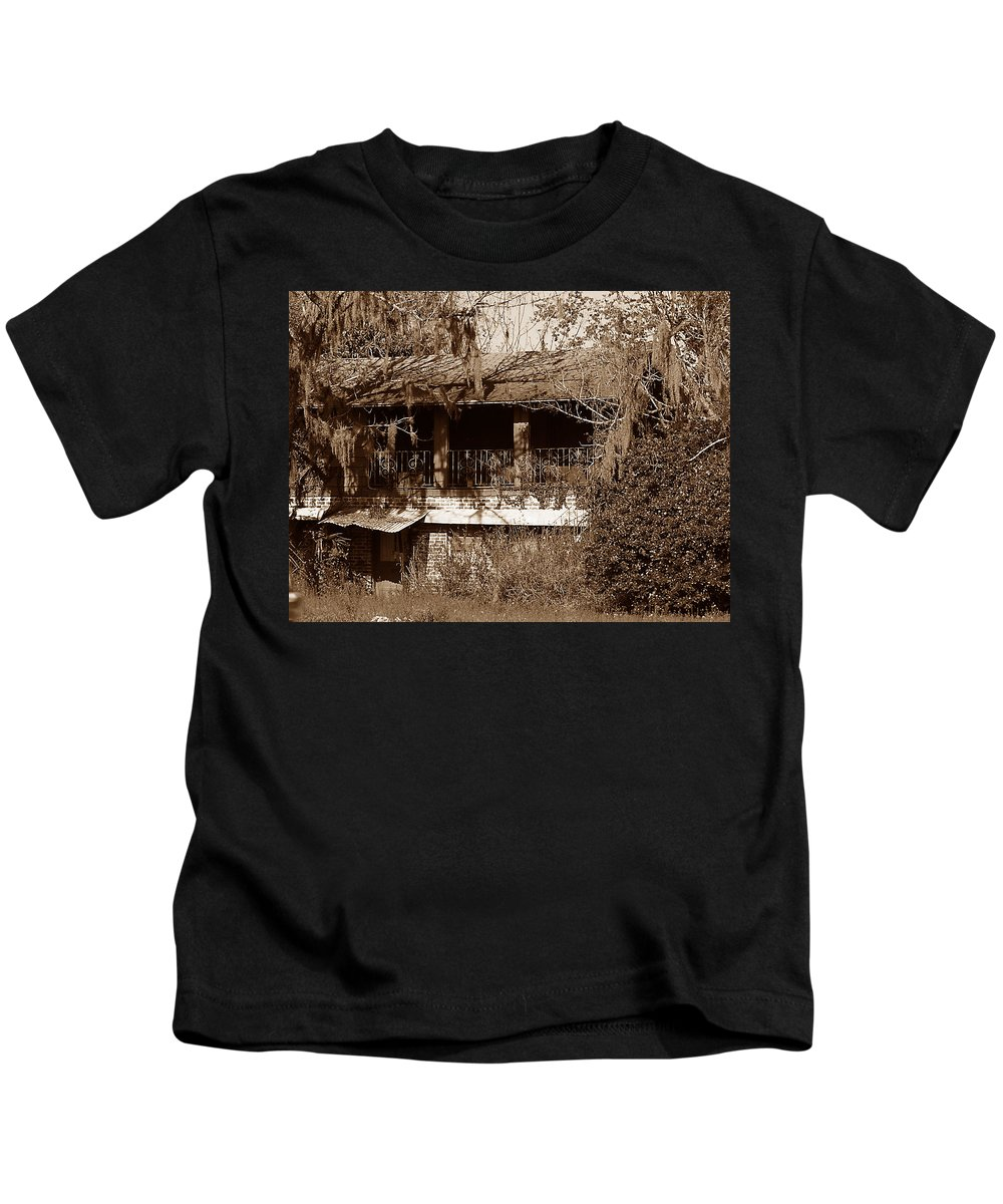 House Kids T-Shirt featuring the photograph Home Sweet Home by Bob Johnson