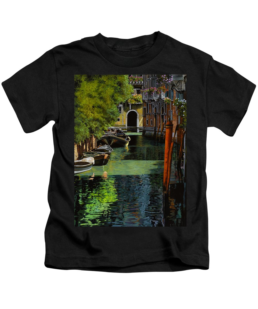 Venice Kids T-Shirt featuring the painting il palo rosso a Venezia by Guido Borelli