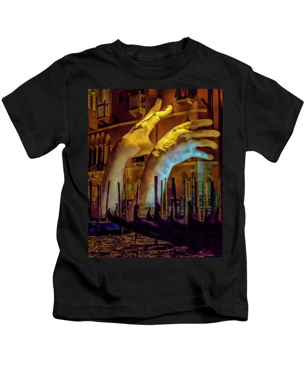 Italy Kids T-Shirt featuring the photograph I'm Gonna Get You 8158 by Karen Celella