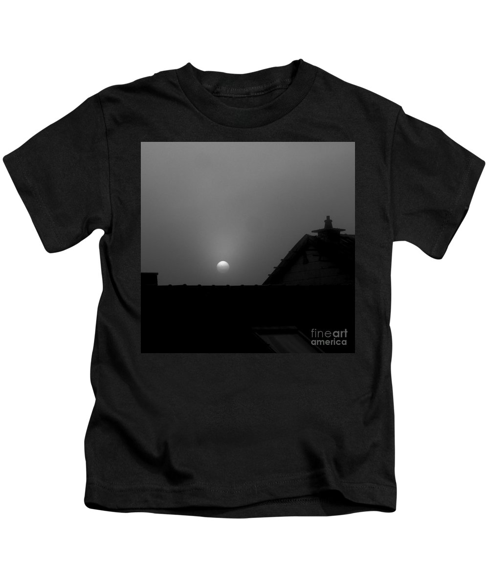 Moon Kids T-Shirt featuring the photograph In The Middel Of The Night by Elisabeth Derichs