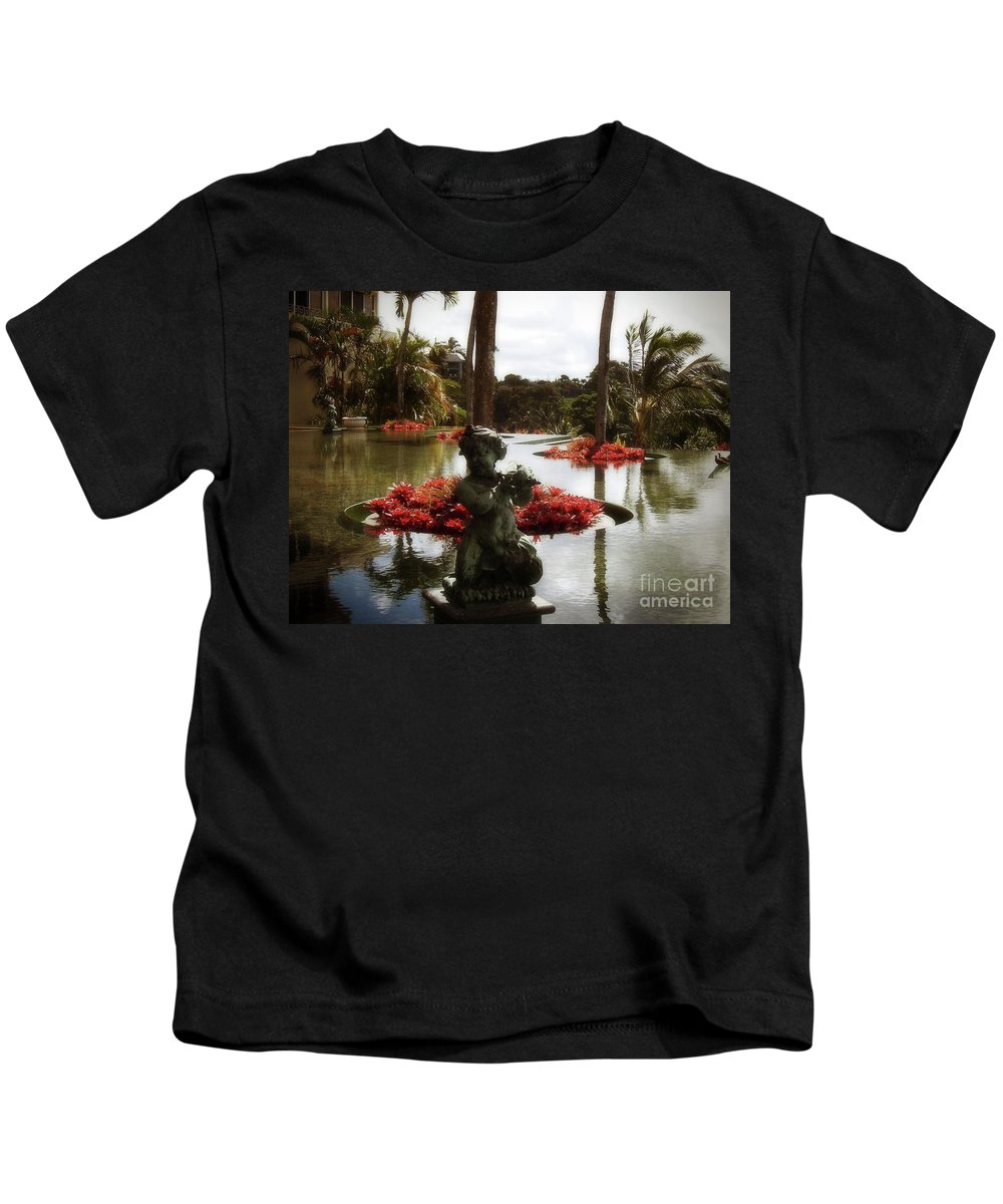 Hawaii Kids T-Shirt featuring the photograph Infinity Pool by Paulette B Wright