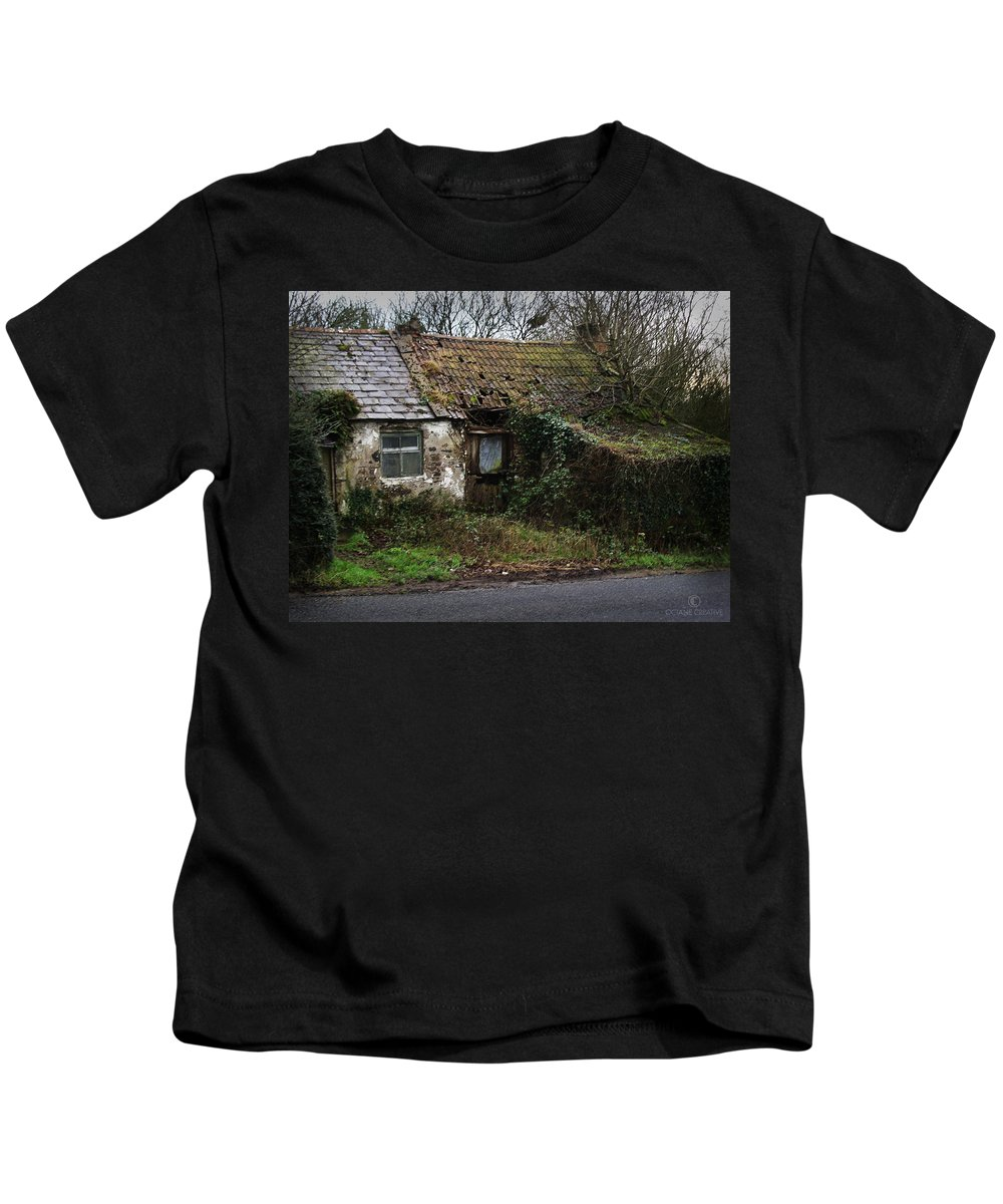 Hovel Kids T-Shirt featuring the photograph Irish Hovel by Tim Nyberg