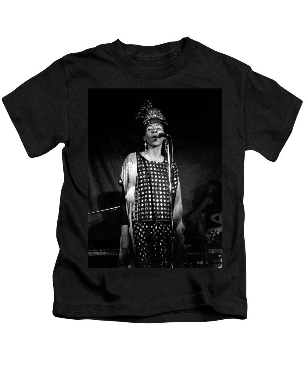 June Tyson Kids T-Shirt featuring the photograph June Tyson by Lee Santa