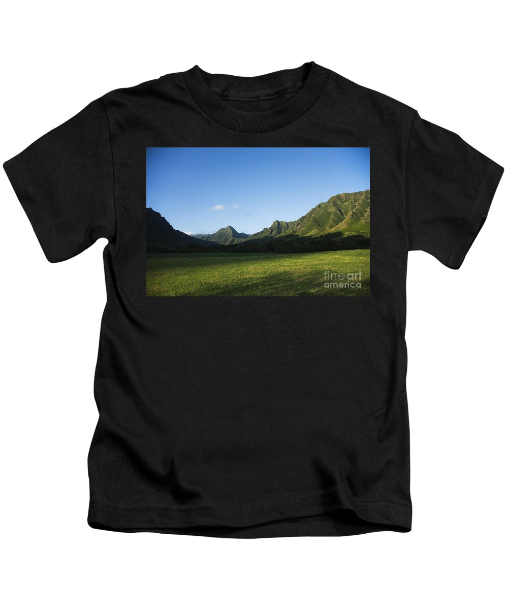 Bright Kids T-Shirt featuring the photograph Kaaawa Valley by Dana Edmunds - Printscapes