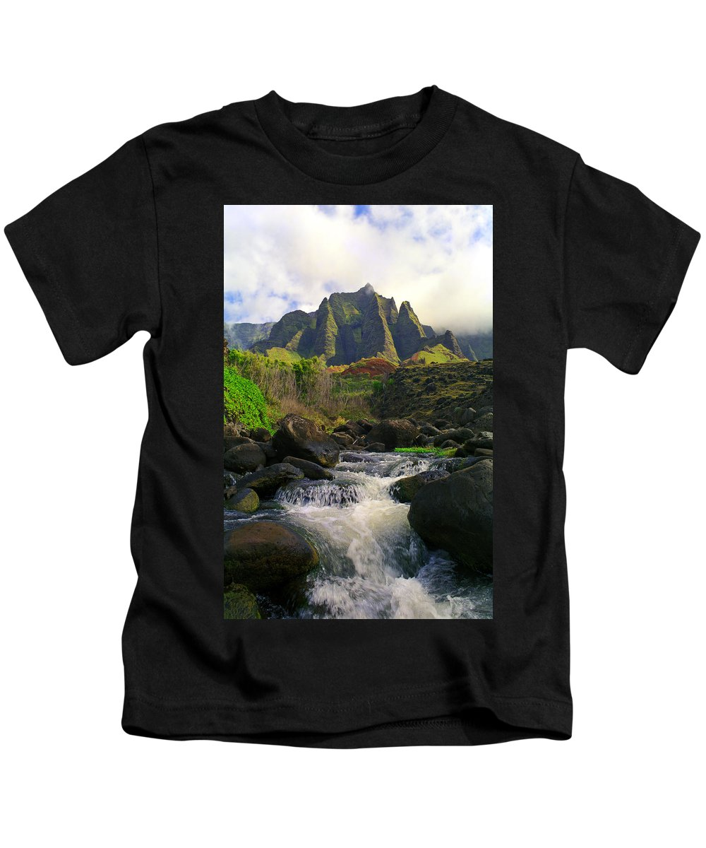 Hawaii Kids T-Shirt featuring the photograph Kalalau Cathedral by Kevin Smith