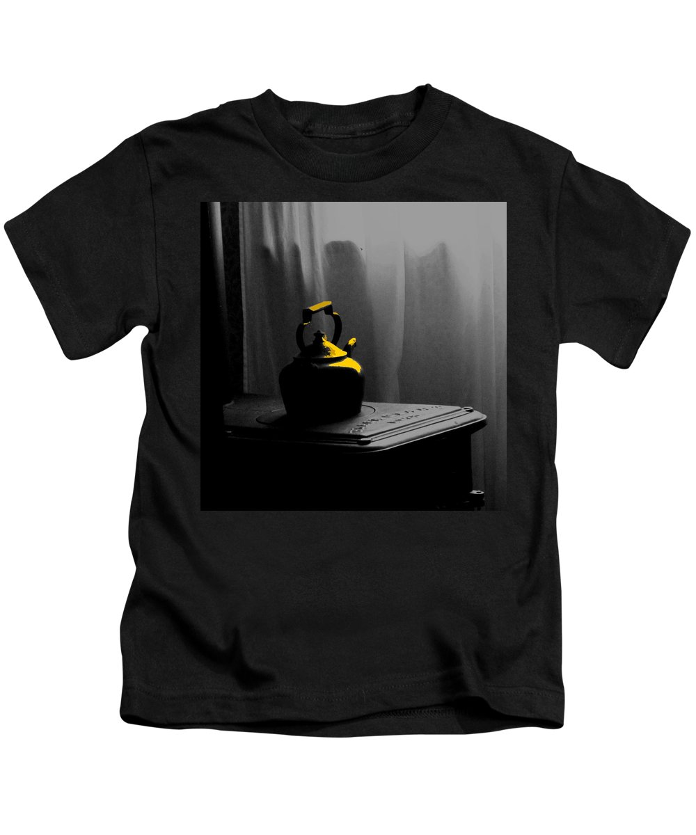 Kettle Kids T-Shirt featuring the photograph Kettle In Isolation by Ian MacDonald