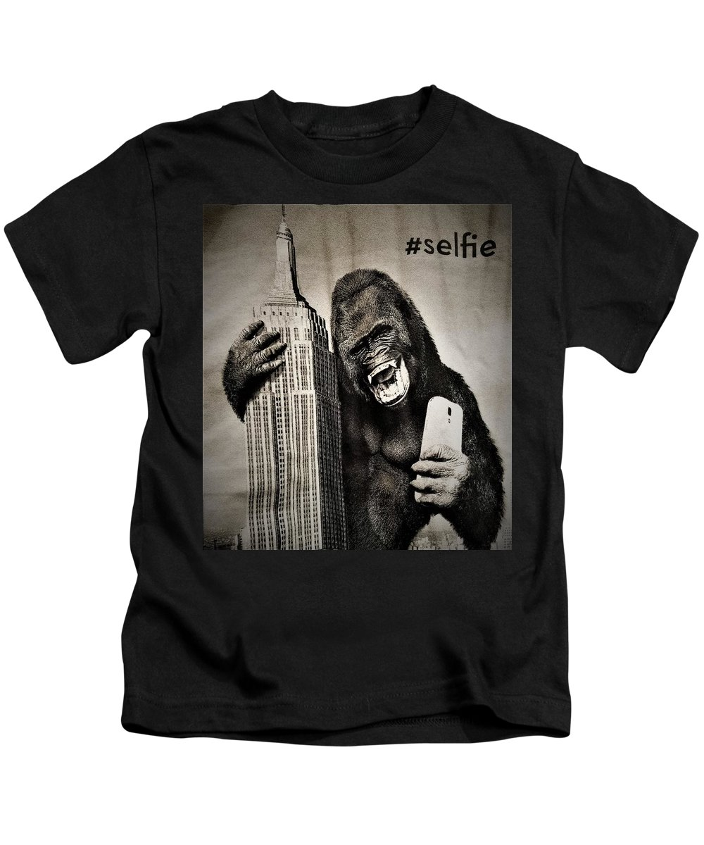 Architecture Kids T-Shirt featuring the photograph King Kong Selfie by Rob Hans