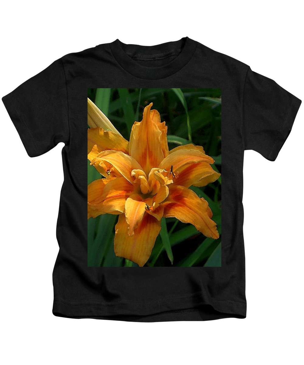 Daylily Kids T-Shirt featuring the photograph Kwanzaa Lily Watercolor by Carolyn Jacob