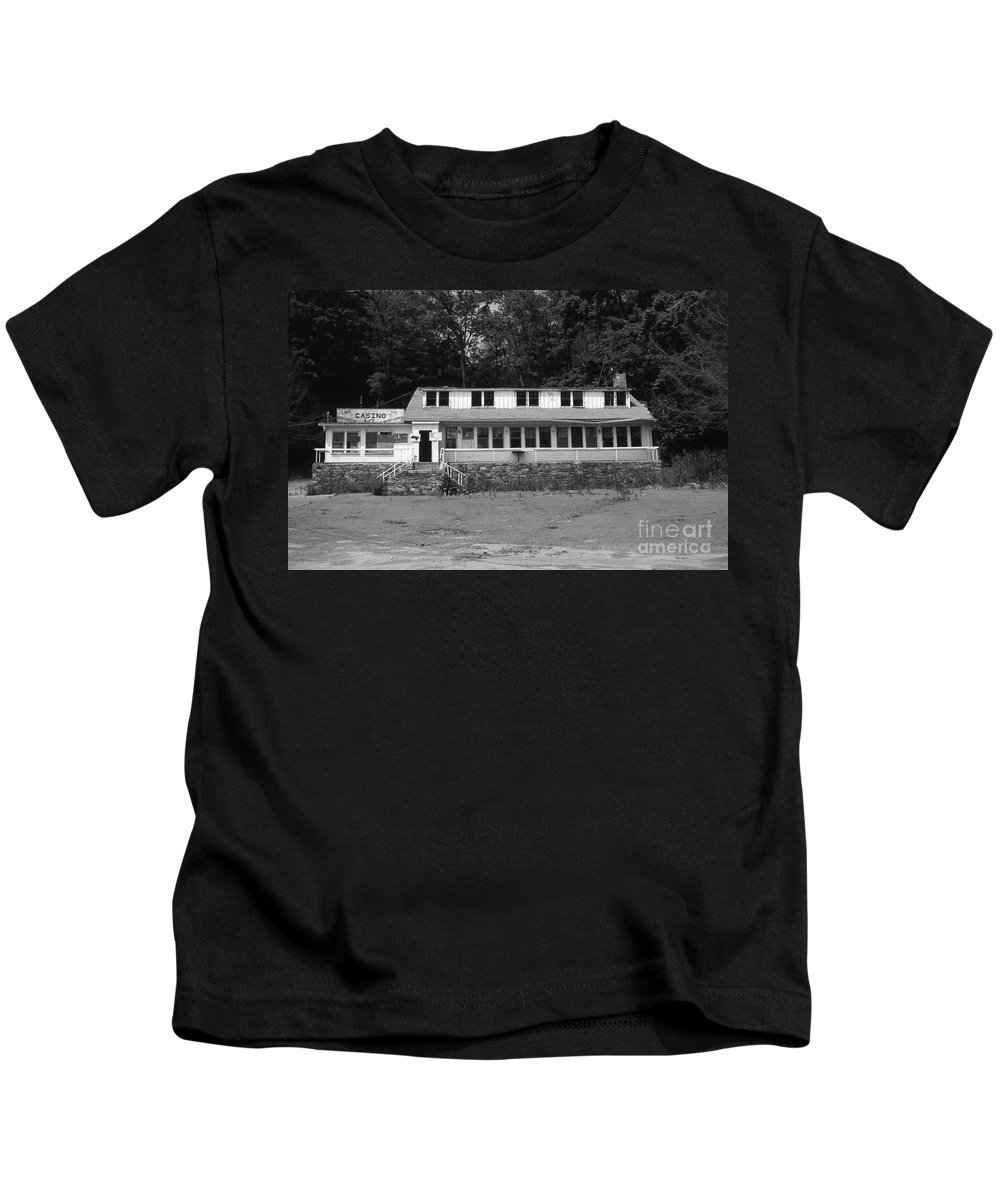 Connecticut Kids T-Shirt featuring the photograph Lake Waramaug Casino by Richard Rizzo