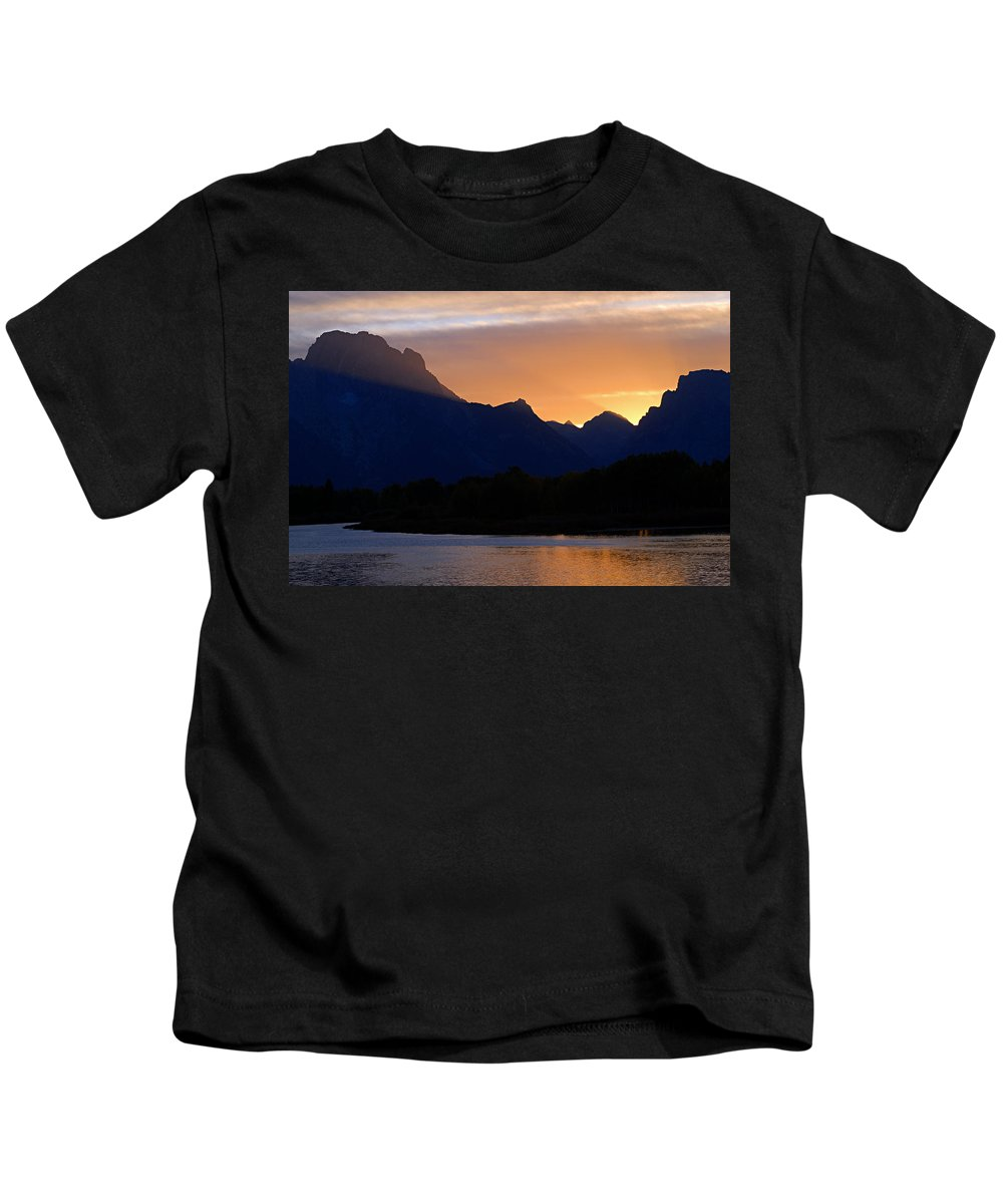 Oxbow Bend Kids T-Shirt featuring the photograph Last Light Of Day by Larry Ricker