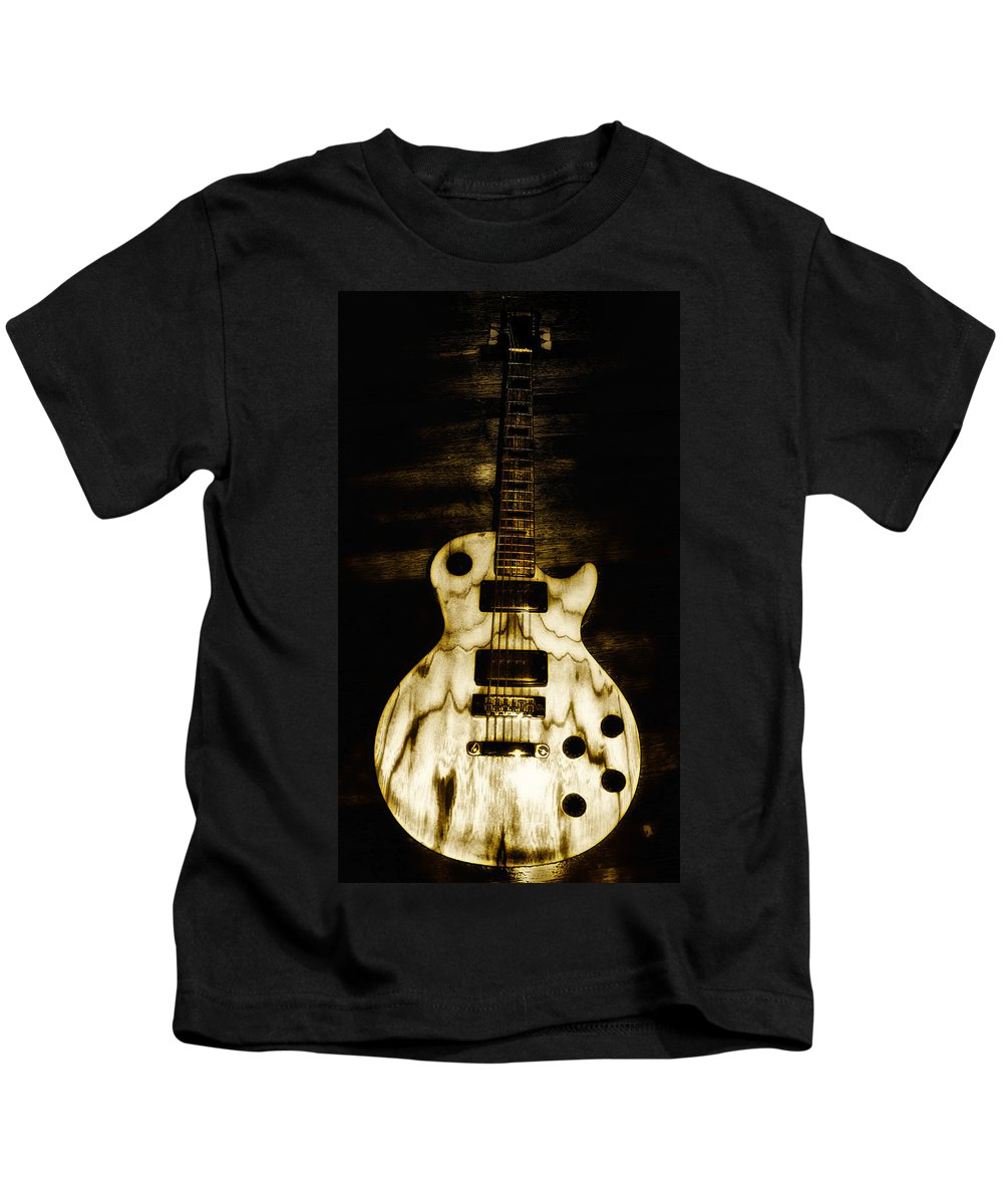 Les Paul Kids T-Shirt featuring the photograph Les Paul Guitar by Bill Cannon