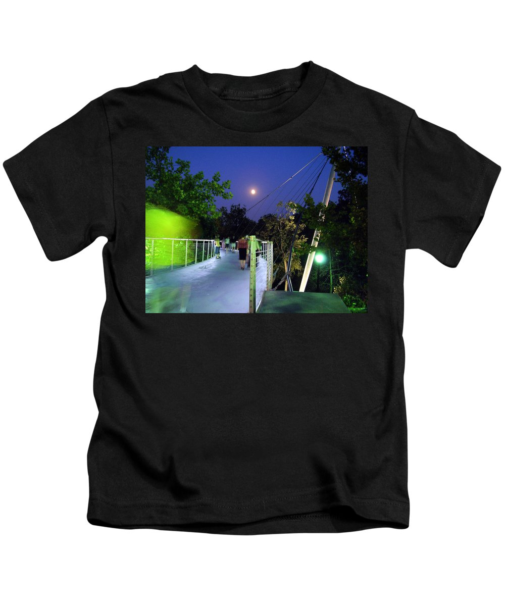 Liberty Bridge Kids T-Shirt featuring the photograph Liberty Bridge At Night Greenville South Carolina by Flavia Westerwelle