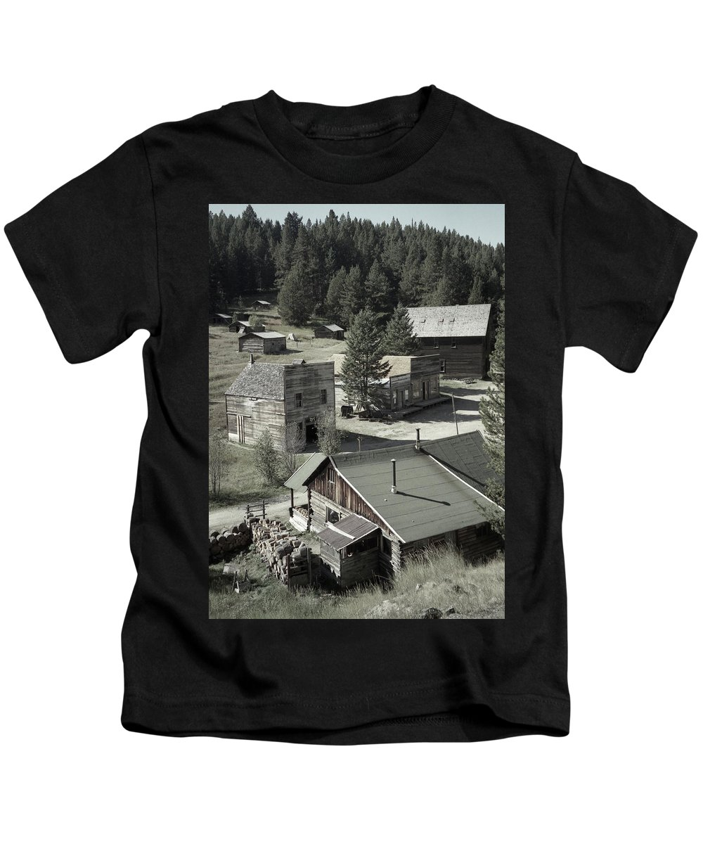 Ghost Towns Kids T-Shirt featuring the photograph Life In A Ghost Town by Richard Rizzo