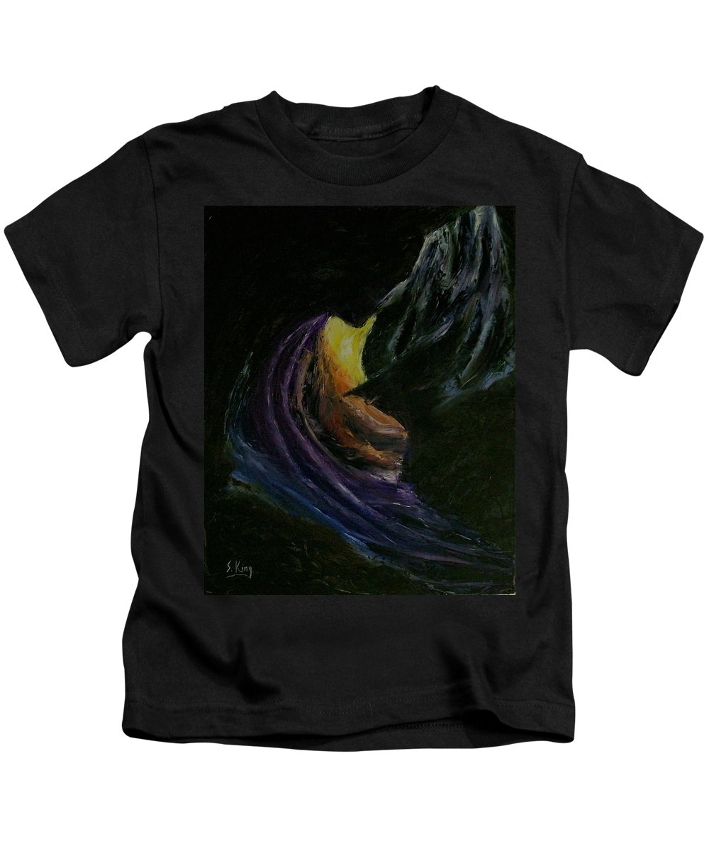 Kids T-Shirt featuring the painting Light Of Day by Stephen King