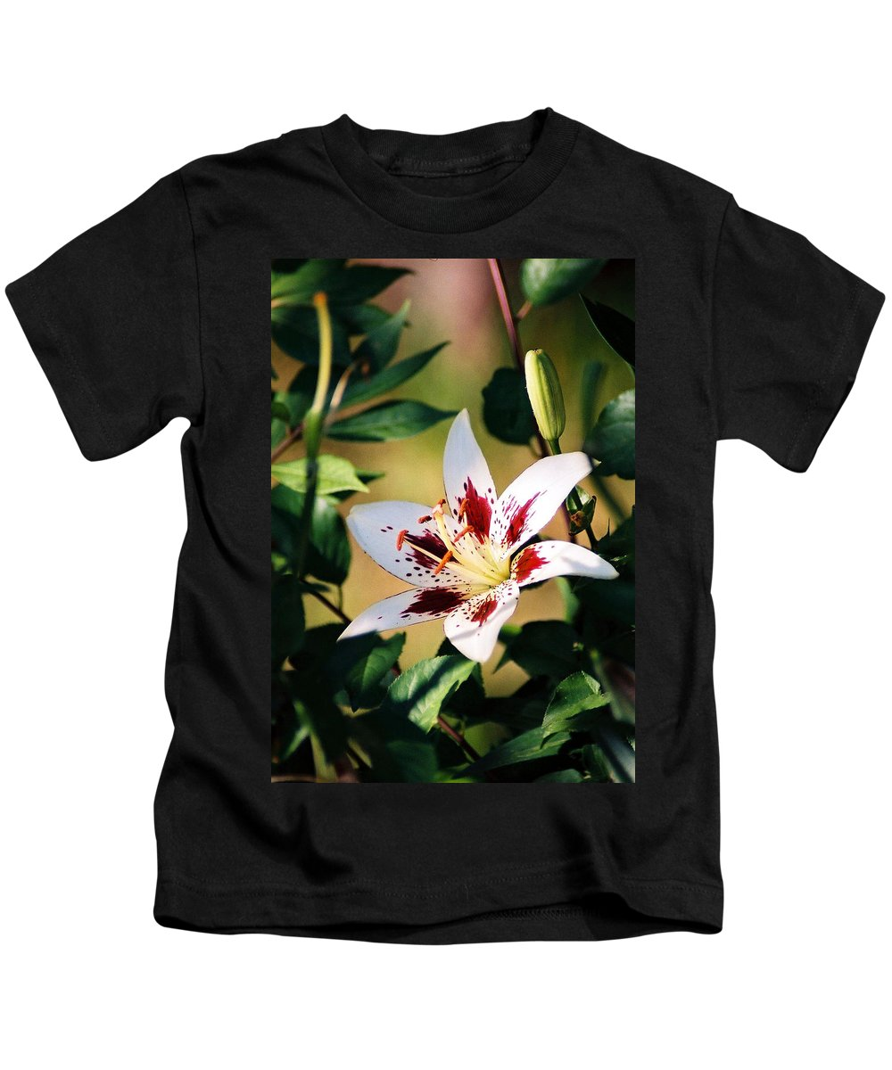 Flower Kids T-Shirt featuring the photograph Lily by Steve Karol