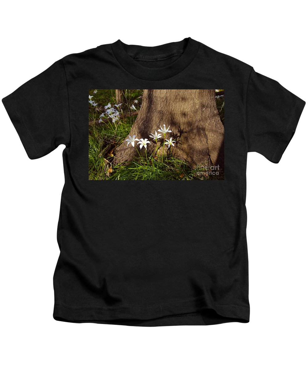 Atamasco Kids T-Shirt featuring the photograph Lily's Atamasco by David Lee Thompson